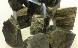 Нефрит колото-пиленный полированный (10 кг)