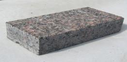 Брусчатка гранитная Дымовский 100*200*60 мм (полнопиленная, верх термо) от 300 м2