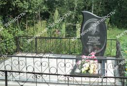Памятник из гранита с фигурной фаской