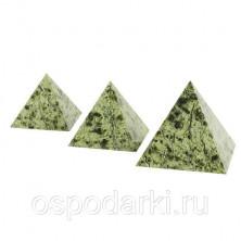 Пирамида 40х40 мм, камень змеевик