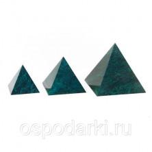 Большая пирамида из камня, змеевик 100х100 мм
