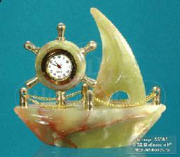 """Sv36-00219 Часы оникс """"Кораблик со штурвалом"""" малые L-120, h-110 мм р.5"""