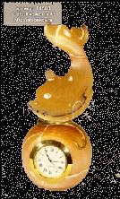 """Sv44-00247 Часы """"Дельфин"""" из селенита"""