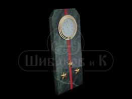 """Sv23-00164 Часы """"Погон - старший лейтенант""""с красными просветами змеевик 60*45*150 мм"""