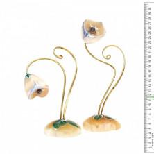 Sv44-00475 Цветок из селенита «подснежник»