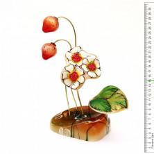 Sv44-00458 Цветок «Земляника» из селенита