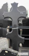 Фигурный Крест на могилу из черного гранита