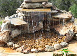 Водопад из камня и воды