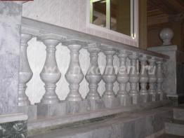 Декоративные балясины из мрамора Bianco Estela Macael