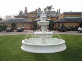 Фонтан.  Fountain Volterra
