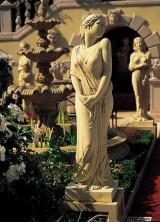 Скульптура. Spring statue