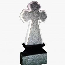 Крест на низком постаменте