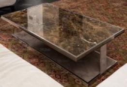 Мраморный стол из камня