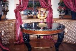 Стол из натурального камня