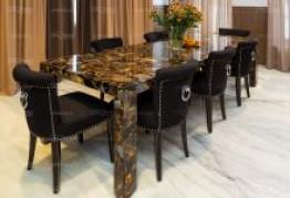 Стол из полудрагоценного камня