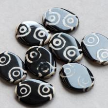 """Бусина агат """"Дзи"""", овальная, цвет черный, 38-40x28-30x6-8 мм"""