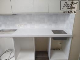 Прямая столешница для кухни из искусственного камня Tristone