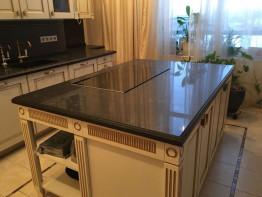 Кухонная столешница прямая, фартук, остров из кварцевого агломерата
