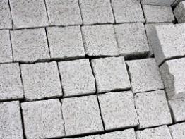 Колотая гранитная брусчатка 100х100х50 Мансуровский