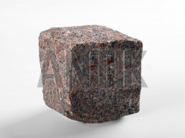 Колотая брусчатка из Новоданиловского гранита
