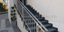 Уличная лестница из искусственного камня