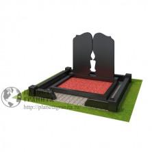 Мемориальный комплекс  с  вырезанной свечей