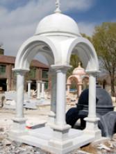 Памятник пантеон из мрамора