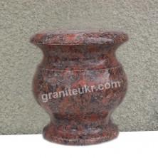 Полированные точеные вазы из камня