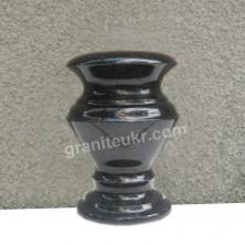 Гранитные вазы высотой 20 см