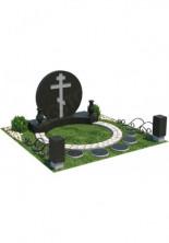 Мемориальный комплекс  из 2 видов с крестом