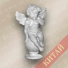 Ангел из белого мрамора