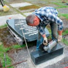 Установка надгробий
