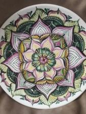 Тарелка керамическая с ручной росписью. Цветок.