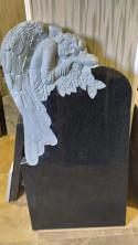 Памятник из гранита. Форма АНГЕЛ