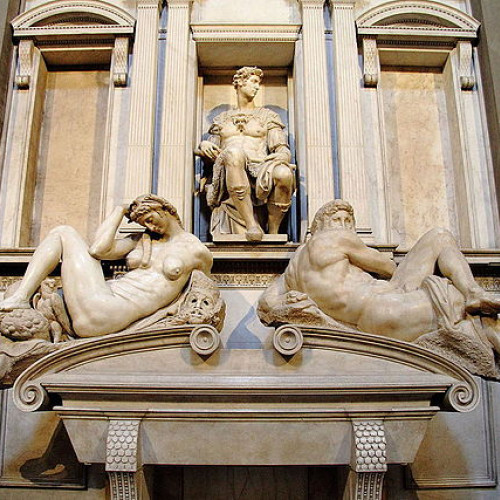 Бактерии обновили мраморные статуи Микеланджело