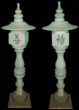 Домик-фонарь из белого мрамора