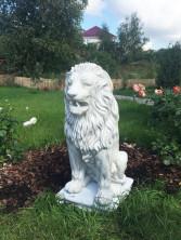 Скульптура льва из бетона — Королевский лев в белом