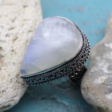 Кольцо из лунного камня,