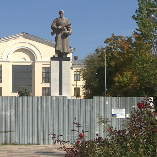 В парке Гагарина в Волгограде завершается реставрация воинского мемориала